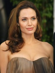More women seeking answers after Angelina Jolie spoke of her surgery