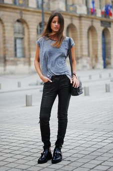 topshop tee Paris Street Style: French Women Dont Wear Trackies.